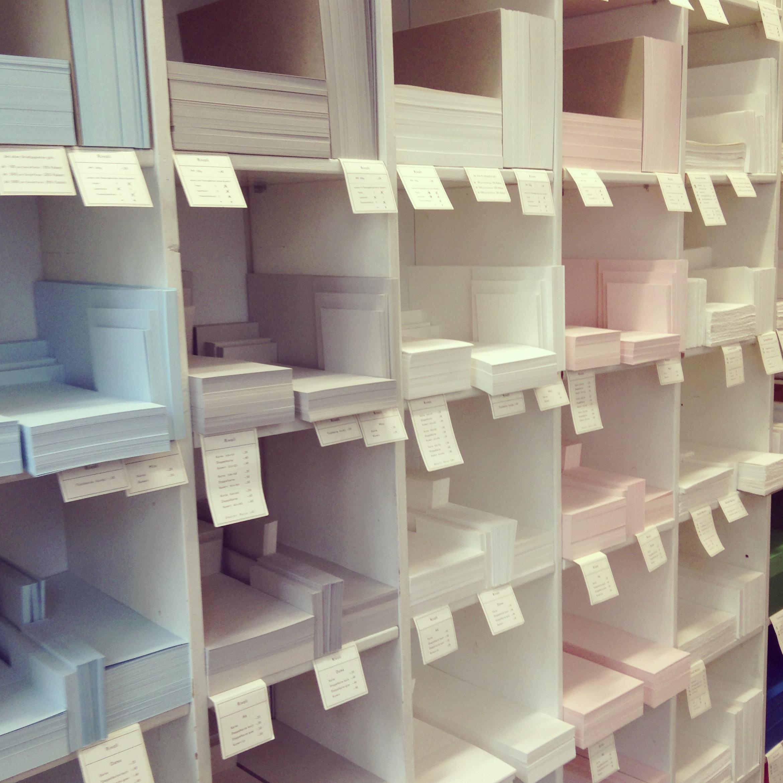 hochwertiges papier f r die hochzeitseinladung. Black Bedroom Furniture Sets. Home Design Ideas